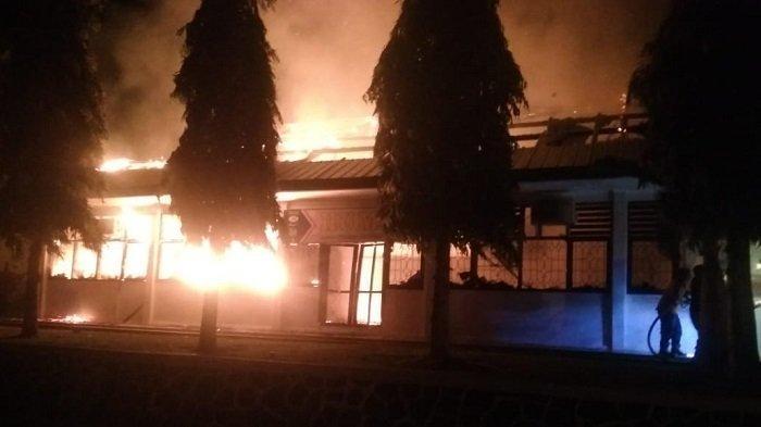 SUPM Ladong Terbakar, Empat Ruangan Hangus Termasuk Ruang Keuangan