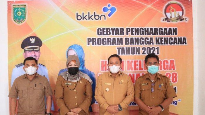 Wali Kota Subulussalam Terima Penghargaan Manggala Karya Kencana dari BKKBN