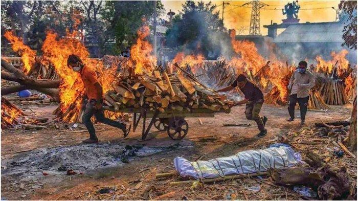 Masyarakat India Terpaksa Kubur Ratusan Mayat di Tepi Sungai Gangga, Ternyata Ini Penyebabnya