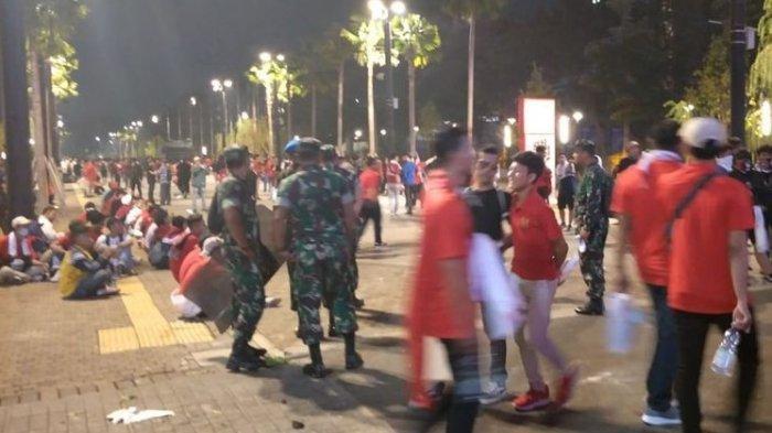 Rusuh Usai Pertandingan Indonesia Vs Malaysia, Seorang Polisi Terluka