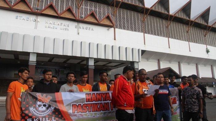Tagih Janji Plt Gubernur, Suporter Persiraja Desak Renovasi Stadion Harapan Bangsa