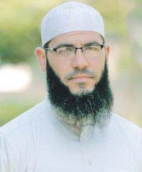 Syekh dari Gaza Imami Tarawih di Masjid Raya