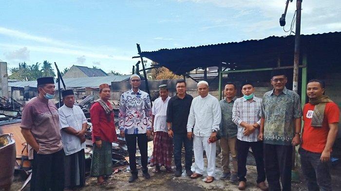 Anggota DPR TA Khalid Bantu Korban Kebakaran Batuphat Timur Lhokseumawe