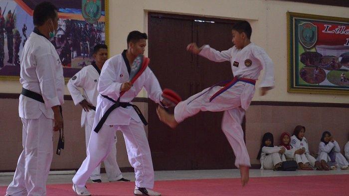 Ratusan Taekwondo Ikuti Kenaikan Tingkat, Danrem Lilawangsa Berharap Muncul Calon Atlet Nasional