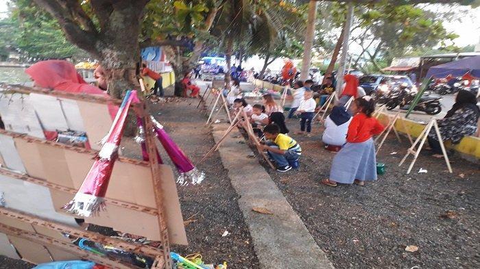 Ada Kegiatan Melukis untuk Anak-anak di Pasar Aceh Meulaboh