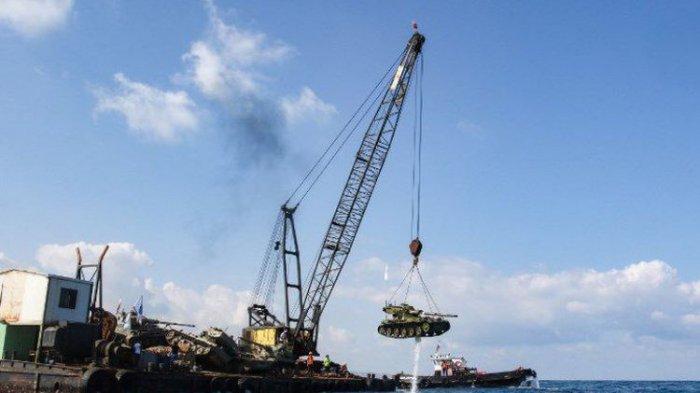 10 Tank Ditenggelamkan ke Laut Mediterania Oleh Kelompok Aktivis Lingkungan Lebanon