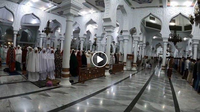 10 Malam Terakhir di Bulan Ramadhan, Ini Doa Setelah Shalat Tarawih dan Witir Lengkap dengan Artinya