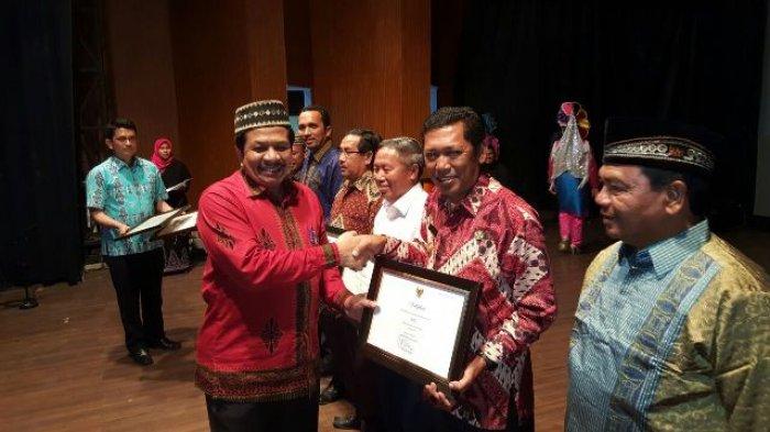 Plt. Bupati Aceh Tengah Terima Sertifikat Tari Guel dan Pacu Kude