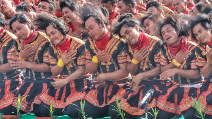 Pertunjukan SAMAN 15001 Refleksi Spirit Perdamaian Dunia