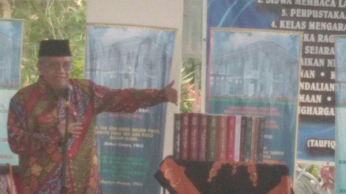 Puisi Karya Sastrawan Taufiq Ismail Paling Banyak Diterjemahkan dalam Bahasa Asing