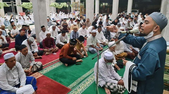 Ustaz Muharil Asy'ari Isi Tausiah di Masjid Al-Qurban Tijue, Ini Pesannya untuk Dapat Ampunan Allah