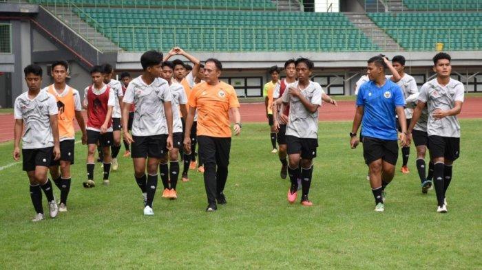 Kembali Datangi Stadion Patriot Bekasi, Begini Cara Ketua Umum PSSI Semangati Timnas U-16