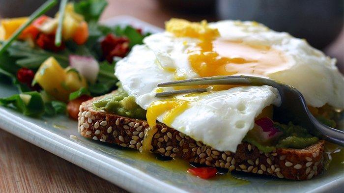 Turunkan Penyerapan Biotin Hingga Kontaminasi Bakteri, Ketahui 4 Risiko Makan Telur Setengah Matang