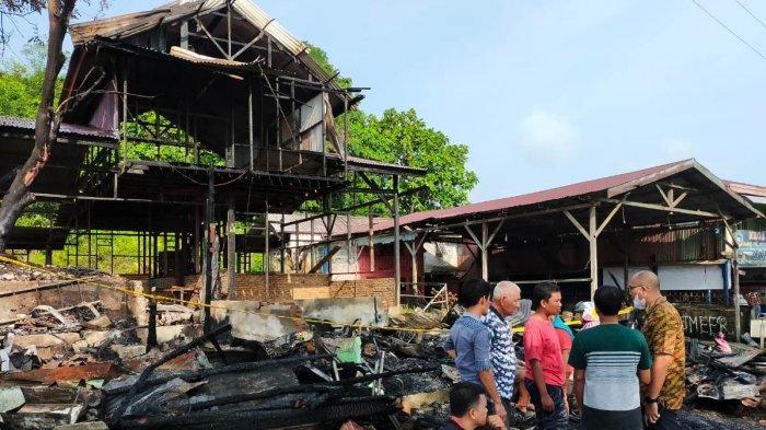 Diduga Arus Pendek Listrik, Tempat Service Elektronik di Simeulue Ludes Terbakar