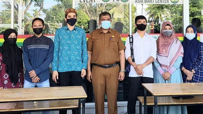 Disnakermobduk Aceh Serahkan 100 Tenaga Magang ke 20 Perusahaan, Uang Saku APBN Rp 1 Juta Per Bulan