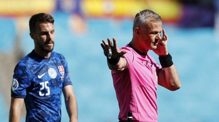 Piala Eropa Diwarnai Hujan Penalti, Ketua Komisi Wasit UEFA Bela VAR