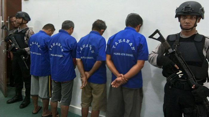 Empat Laki-laki di Aceh Singkil Ditangkap karena Korupsi Dana Perempuan