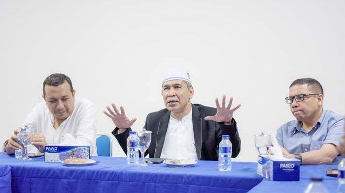 Live Tausiyah Tu Sop Jeunieb pada Pengajian KWPSI di Masjid KL Banda Aceh
