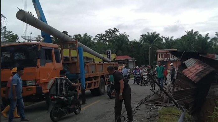 Dampak Longsor dan Tiang Tumbang, Listrik Kembali Padam di Aceh Singkil