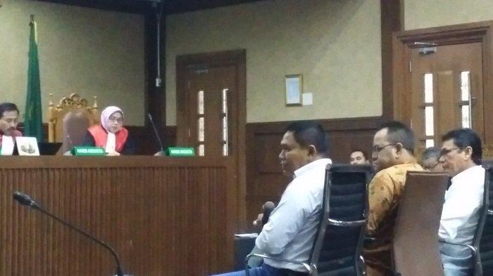 Sidang Irwandi Yusuf - Tiga Pejabat Aceh, Azhari, Amrizal J Prang, dan Darmansyah Beri Kesaksian