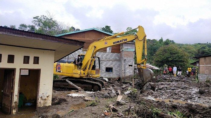 Banjir Rusak Tujuh Rumah