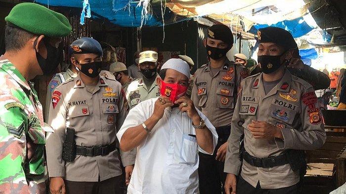 Tingkatkan Pendisiplinan Protkes, Personel Gabungan Patroli dan Bagikan Masker untuk Masyarakat