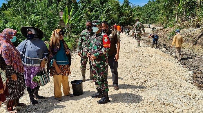 TNI Buka Jalan Sepanjang 3.000 Meter, Dituntaskan Melalui Program TMMD Ke-111 Kodim Simeulue