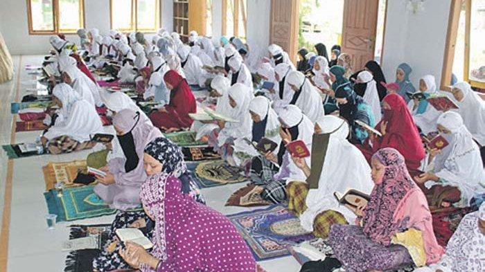 Lockdown, Perbanyak Baca Quran, Zikir, Hingga Doa Tolak Bala