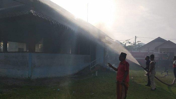 BREAKING NEWS : Satu Unit TPA di Lamno Terbakar