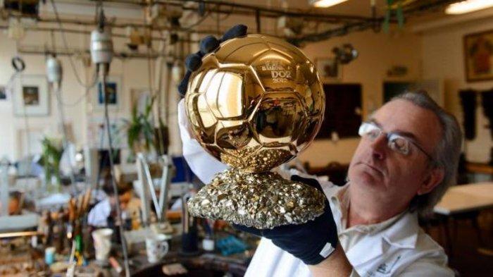 Berikan Penghargaan Pribadi untuk Olahraga Kolektif, Legenda Chelsea: Ballon d'Or Itu Bodoh