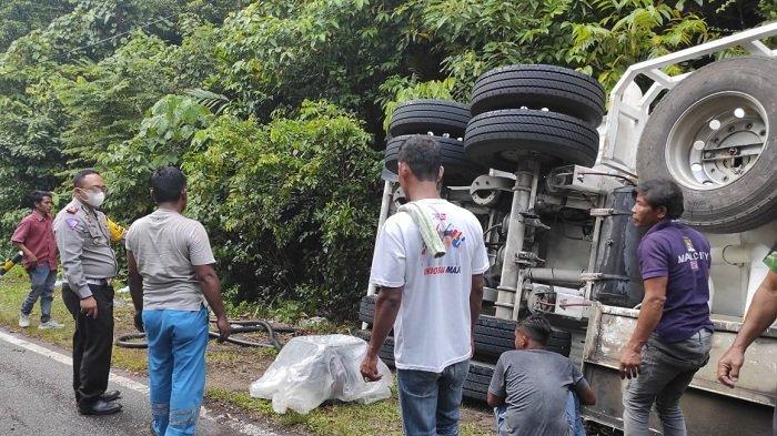Truk Tangki Pertamina Terbalik di Aceh Selatan, Mobil Ringsek, Sopir Hanya Alami Luka Lecet