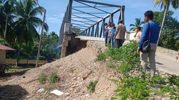 Bupati Abdya Pastikan Talud Jembatan Lhok Pawoh Dibangun Tahun Ini