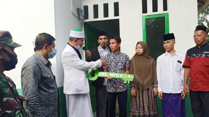 Serahkan Dua Rumah Duafa di Aceh Selatan,Ini Pesan Tu Sop