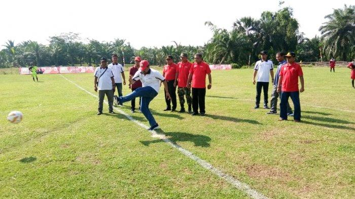 16 Tim SMA/SMK Ramaikan Piala Al-Farlaky di Aceh Timur