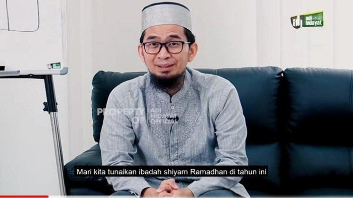 Ustad Adi Hidayat Sebut 3 Jenis Surah yang Sering Dibaca Rasulullah SAW Saat Shalat Tahajud