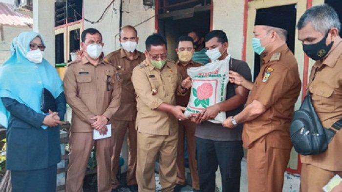 Wali Kota Bantu Syahrul Lampulo Korban Kebakaran