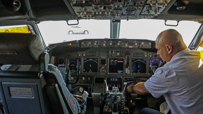 FOTO - Momen Bersejarah, El Al Pesawat Israel Pertama yang Mendarat di Abu Dhabi - uea-1.jpg