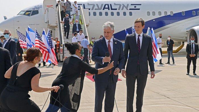 FOTO - Momen Bersejarah, El Al Pesawat Israel Pertama yang Mendarat di Abu Dhabi - uea-118.jpg