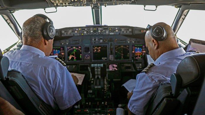 FOTO - Momen Bersejarah, El Al Pesawat Israel Pertama yang Mendarat di Abu Dhabi - uea-141.jpg
