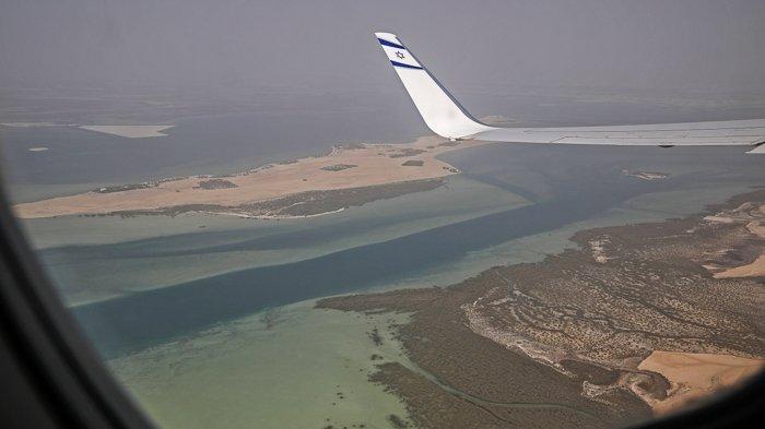 FOTO - Momen Bersejarah, El Al Pesawat Israel Pertama yang Mendarat di Abu Dhabi - uea-2.jpg