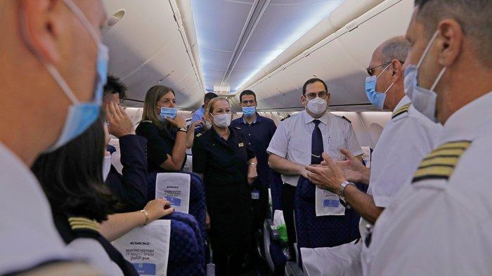 FOTO - Momen Bersejarah, El Al Pesawat Israel Pertama yang Mendarat di Abu Dhabi - uea-7.jpg