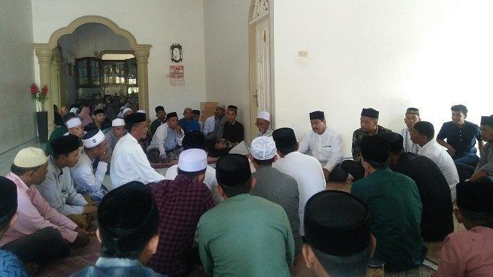 Selama Idul Fitri 1441 Hijriah, Masyarakat dan Jamaah Pengajian Ramai Bertamu ke Rumah Abu Tumin