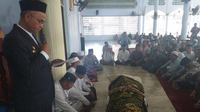 Isak Tangis Lepas Kepergian Saifannur, Ibunda Almarhum Beri Ciuman Terakhir