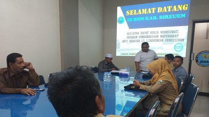 20 Kepala SMP dan MTs Ikut Rapat di BNNK Bireuen, Bahas Implementasi UU Nomor 6/2018