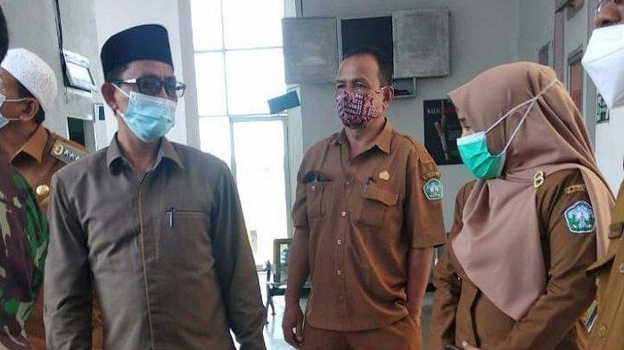Giliran Perangkat Gampong dan Guru di Labuhan Haji Barat Divaksinasi Covid-19, Bupati Ikut Tinjau