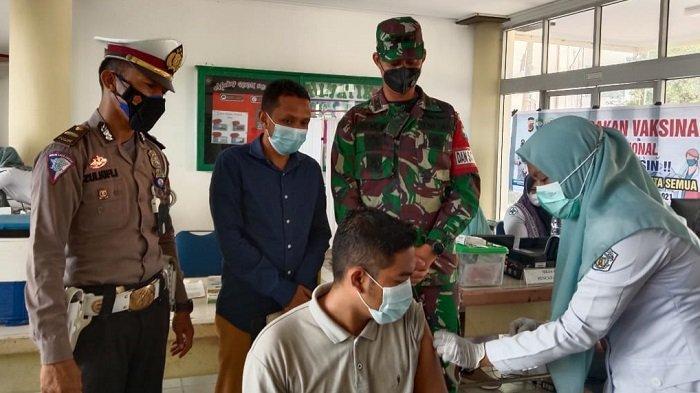 Tinjau Vaksinasi di Politeknik Negeri Lhokseumawe, Ini Pesan Dandim Aceh Utara kepada Mahasiswa