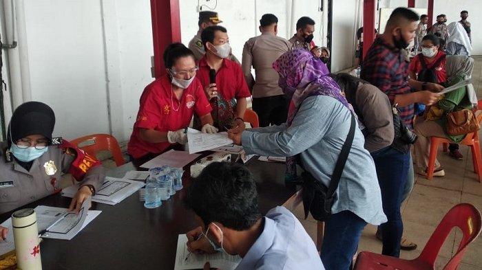 Biro Ops Polda Aceh Gelar Vaksinasi Massal di Vihara Dharma Bhakti Banda Aceh