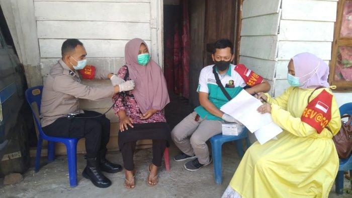 Polres Bener Meriah Gelar Vaksin Covid-19 Door to Door ke Rumah Warga