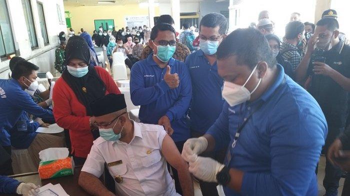 Vaksinasi Nakes di Abdya Baru Terealisasi 35,6 Persen, yang Menolak Harus Buat Surat Pernyataan