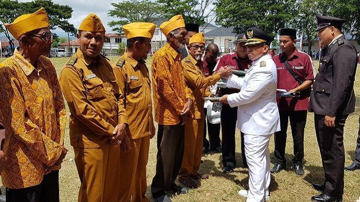 17 Veteran Terima Bingkisan dan Uang Tunai Seusai Peringatan HUT RI di Pidie Jaya